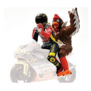 FIGURINE V ROSSI WITH CHICKEN GP 250 BARCELONA 98