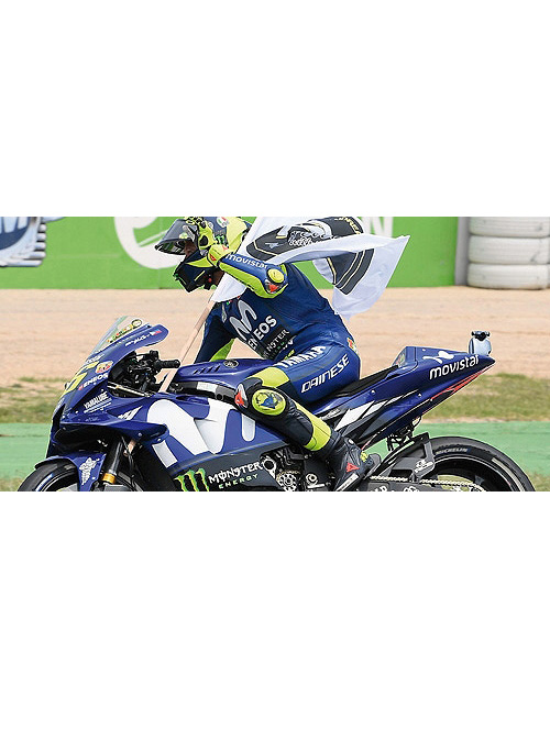 122183246_ROSSI_CATALUNYA_2018_WITH_FIGURINE_1_12